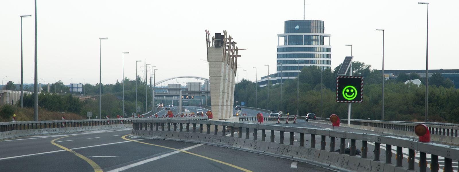 Noch bis Mitte September werden die Autofahrer auf der verengten Fahrbahn umgeleitet.