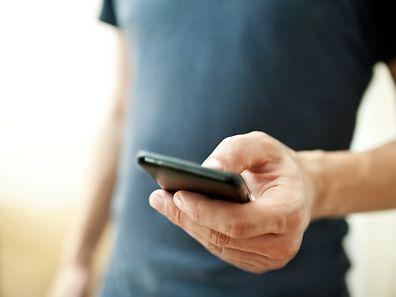 Un utilisateur sur dix vérifie son téléphone pendant qu'il fait l'amour.