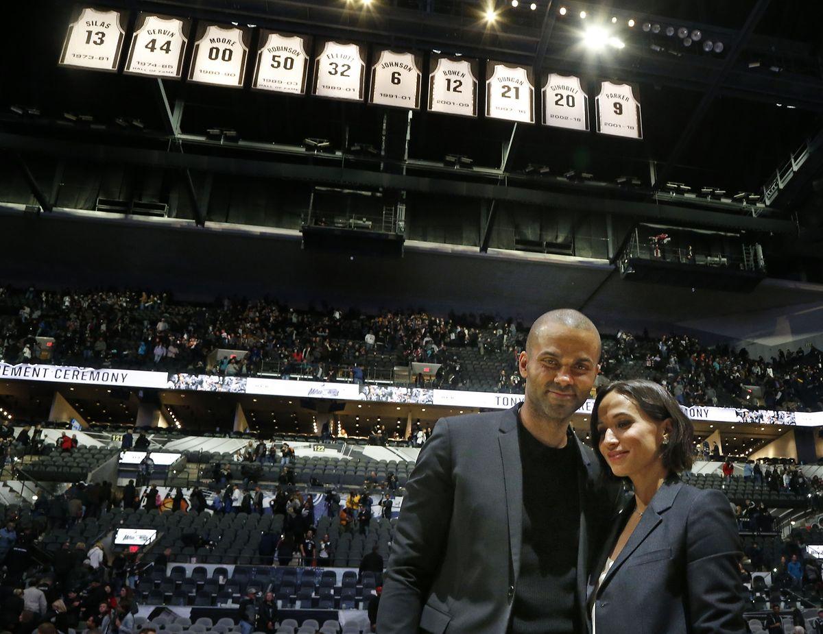 Tony Parker und seine Frau Axelle bei der Zeremonie in San Antonio.
