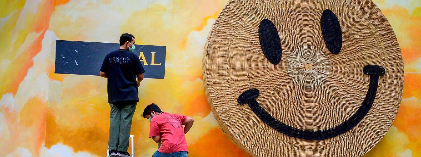 Imagem de instalação em centro comercial de Banguecoque, Tailândia.
