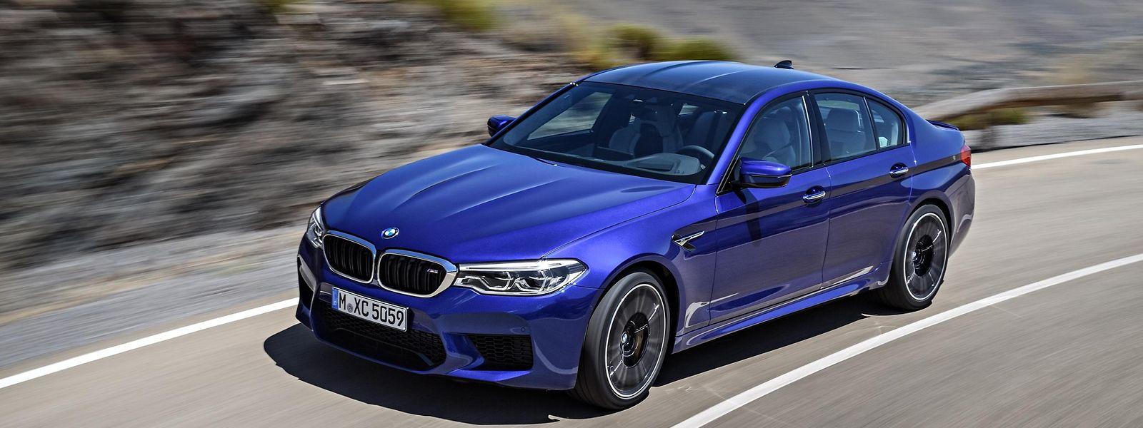 Der BMW M5 wird von einem doppelt aufgeladenen V8 mit 441 kW/600 PS befeuert.