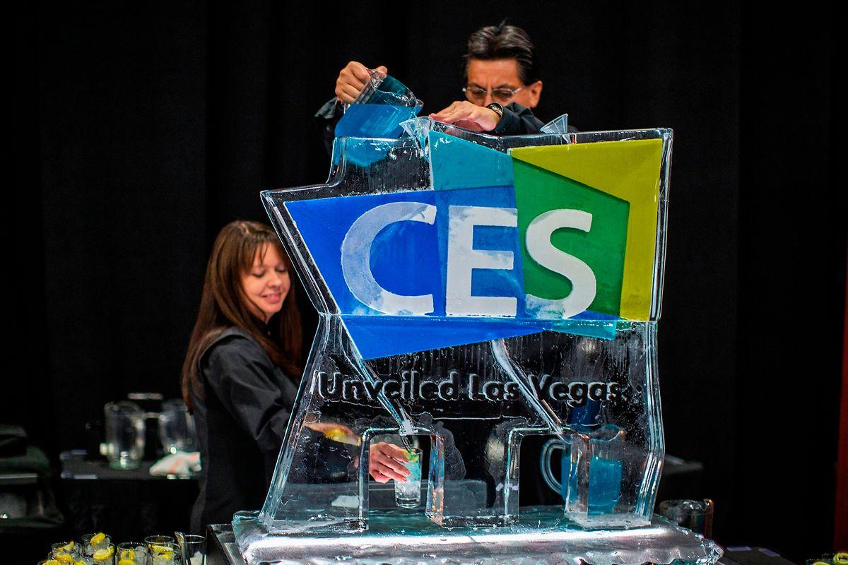 Derniers préparatifs, lundi, au CES de Las Vegas, en attendant les 200.000 visiteurs professionnels