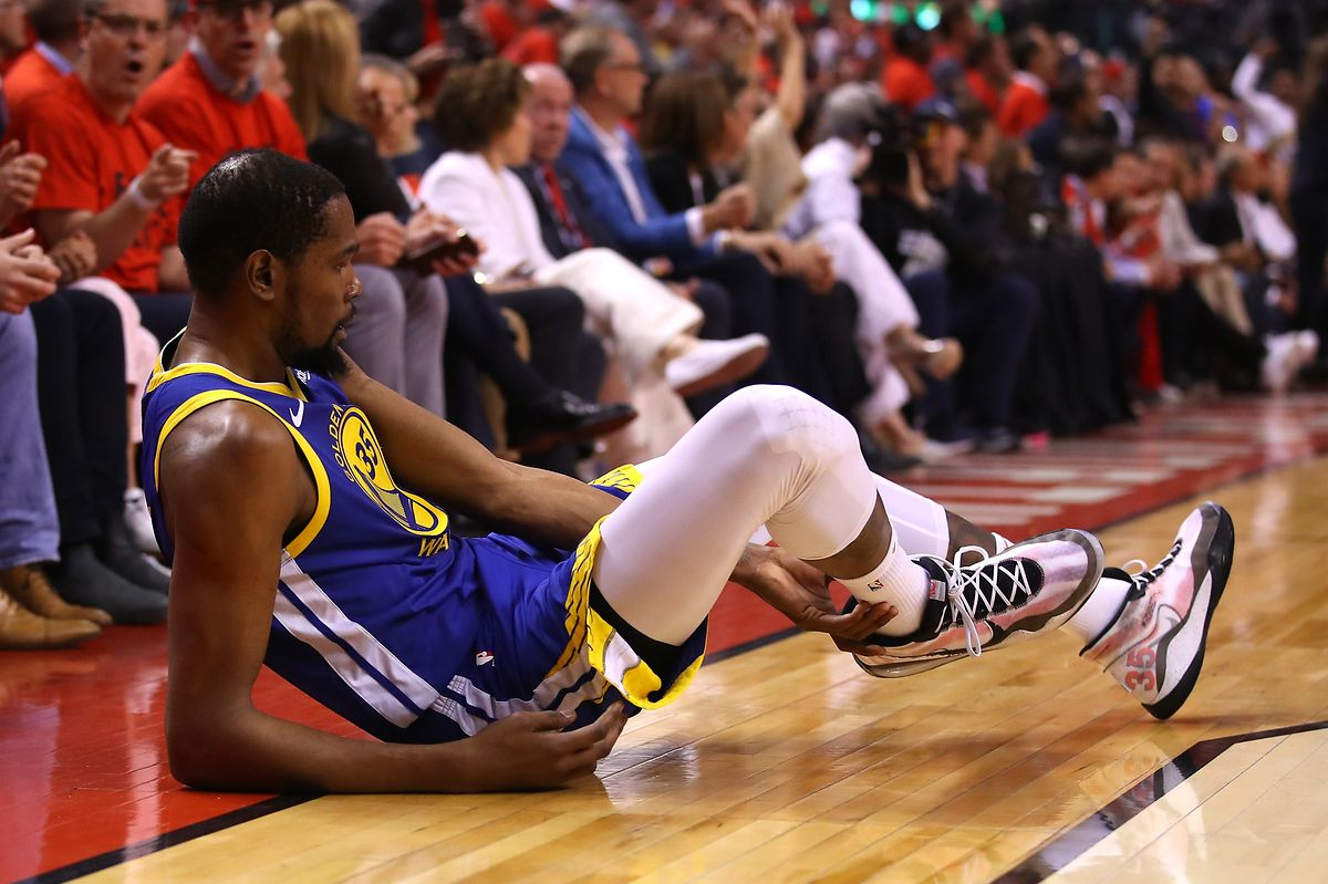 Kevin Durant hat sich eine Verletzung an der Achillessehne zugezogen.