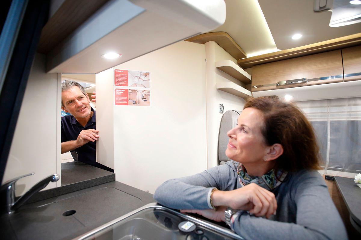 Zweiraumwohnung: Die gibt es mittlerweile auch für unterwegs, zum Beispiel in Wohnmobilen von Malibu Vans.