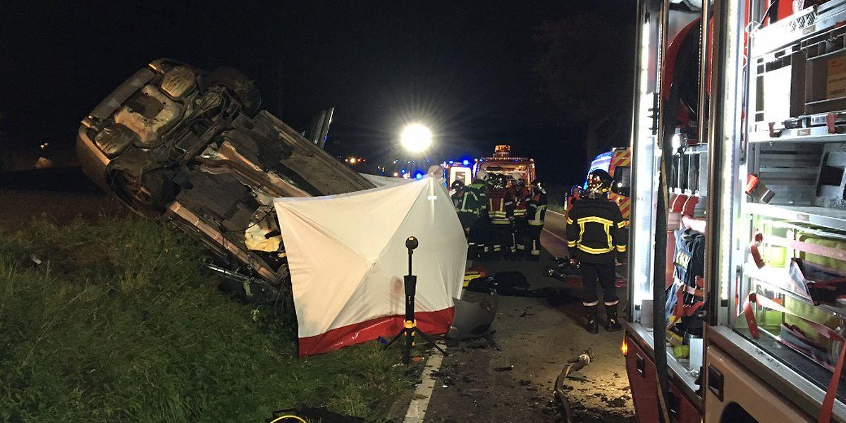 Der Wagen des Opfers war durch den Aufprall über zehn Meter zurückgeschleudert worden und auf die Seite gekippt.