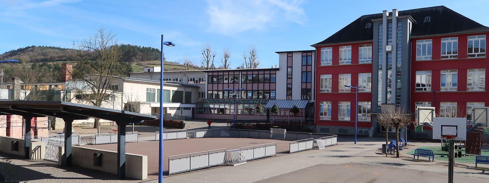Rund um den Schulhof der Grundschule werden in den kommenden Jahren wohl rege Bautätigkeiten herrschen.