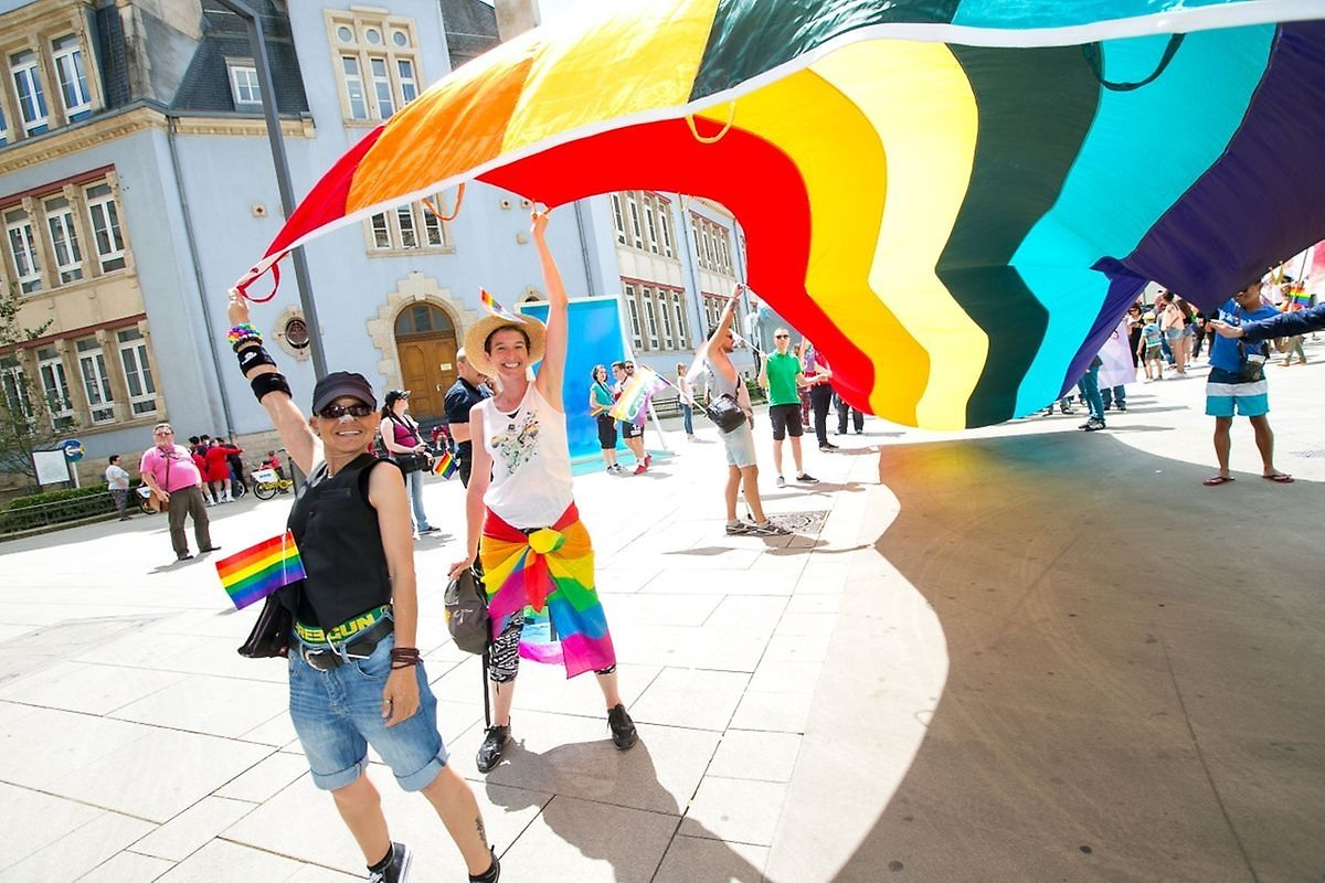 Flying the flag at Gaymat Photo: Laurent Blum