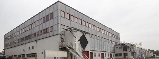 Das ehemalige Monopol-Gebäude in der Route d'Esch in Luxemburg wird für Flüchtlinge eingerichtet.