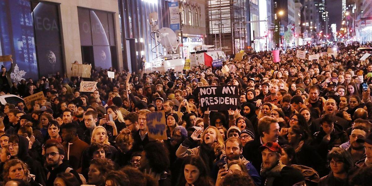 A New York, le 9 novembre, des manifestations spontanées dans les rues pour protester contre l'élection de Trump