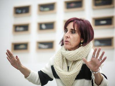 Ana Cristina Silva é douturada em Psicologia da Educação, especializou-se na área da aprendizagem da leitura e da escrita.
