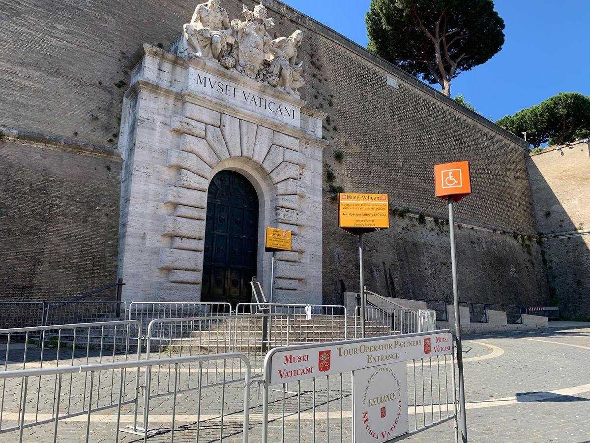 26.05.2020: Blick auf den Eingang der vatikanischen Museen.