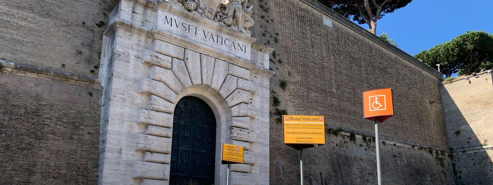 Blick auf den Eingang der vatikanischen Museen: Wo sonst Menschenmassen anstehen, war es in Corona-Zeiten ruhig wie nie.