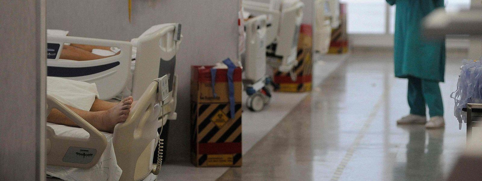 6.893 personnes sont soignées à l'hôpital actuellement dont 1.464 patients en soins intensifs.