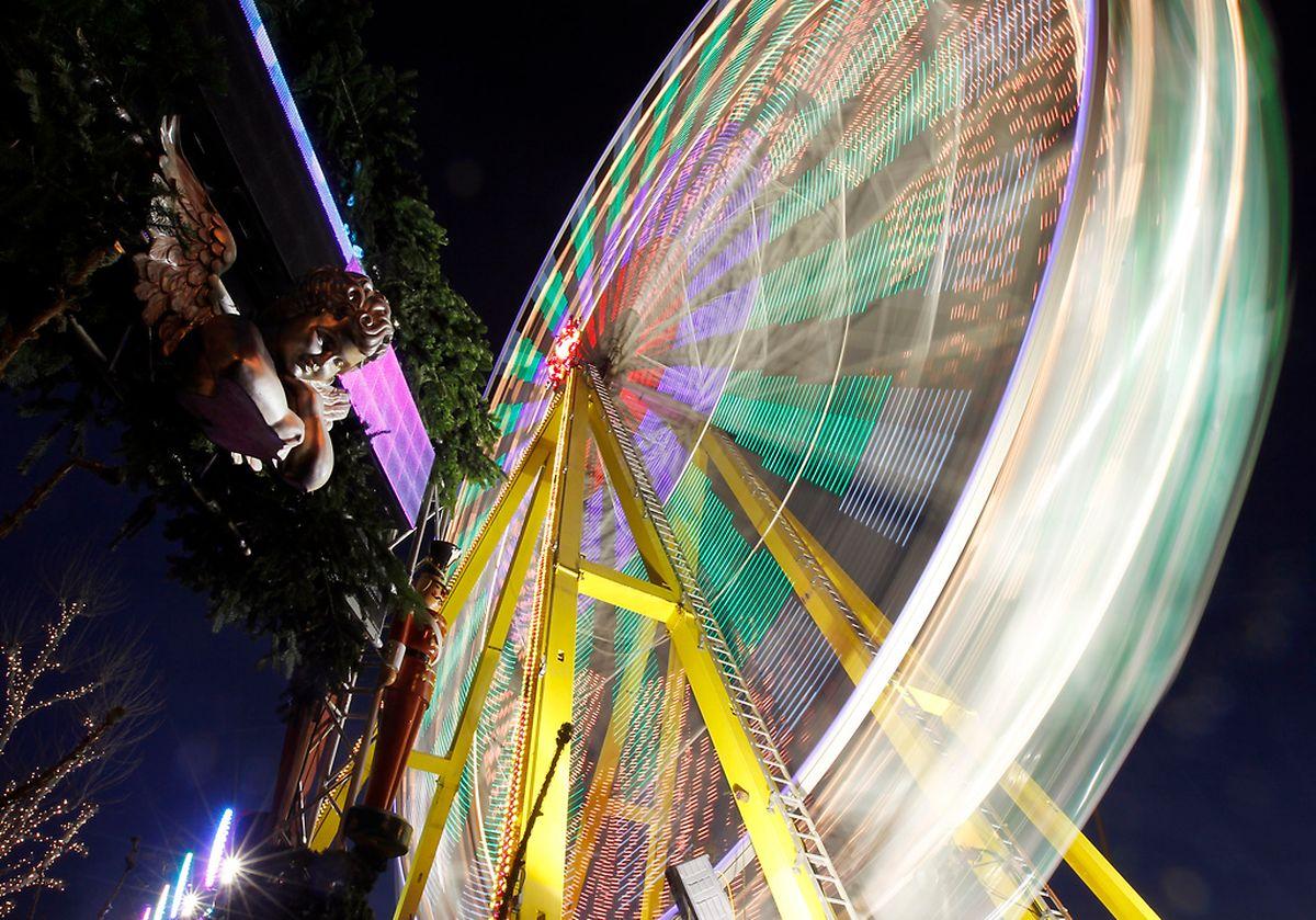 Das Riesenrad gilt als Hauptattraktion auf dem Weihnachtsmarkt rund um die Gëlle Fra.