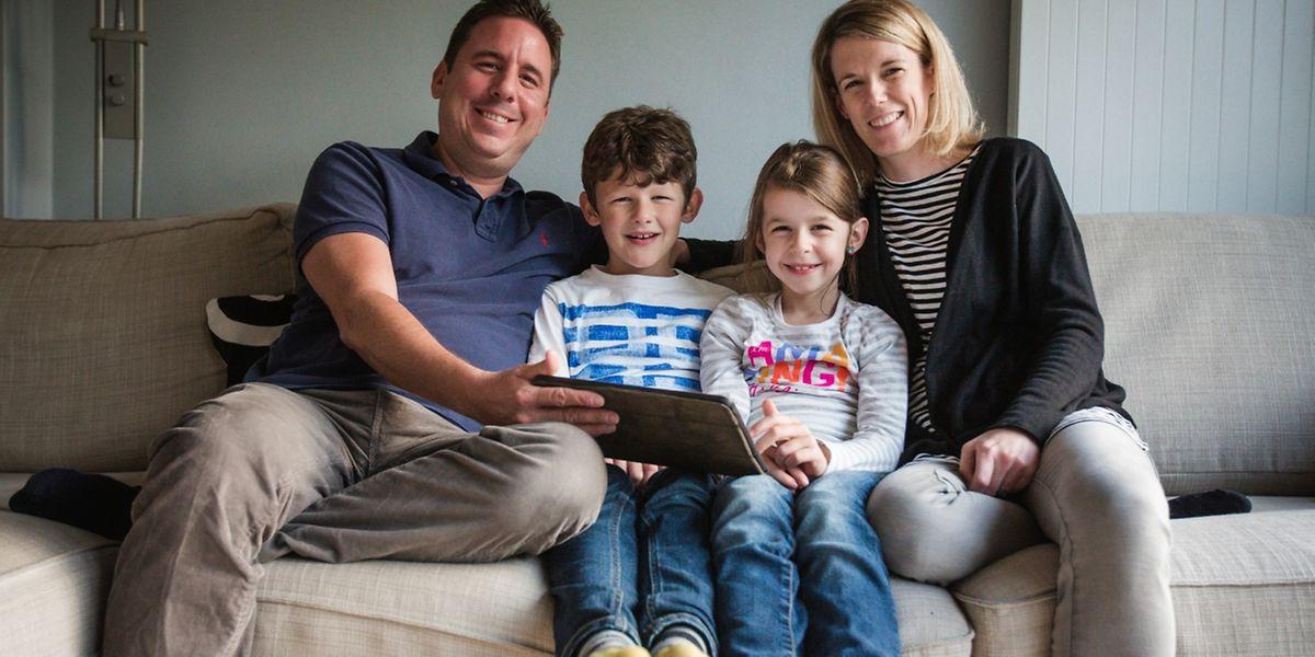 Juste pour la photo, Aurélien, Alexandre, Chloé et Anouk, prennent la pose: ces 4 là ne sont pas du genre à rester dans leur canapé!