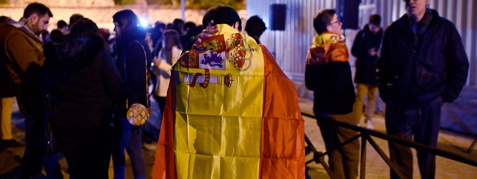 La confusion politique règne toujours en Espagne, au lendemain d'élections sans majorité claire.