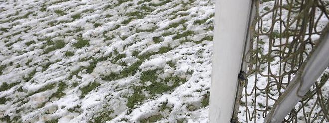 La neige se fait de plus en plus rare et plusieurs entraîneurs aimeraient jouer jusque mi-décembre