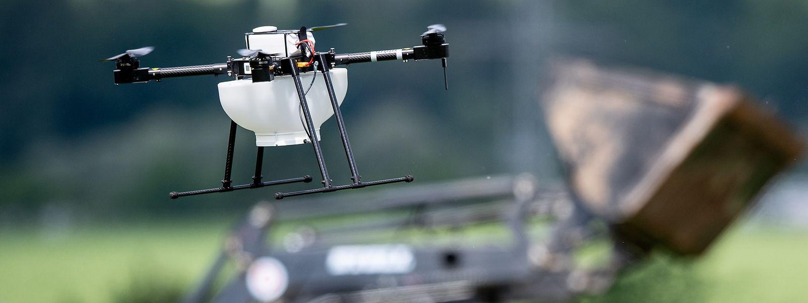Der Einsatz von technischen Hilfsmitteln wie ferngesteuerte Drohnen zur Analyse oder Überwachung ist nur ein Mittel, wie ein Unternehmen die Arbeit digitalisieren kann.