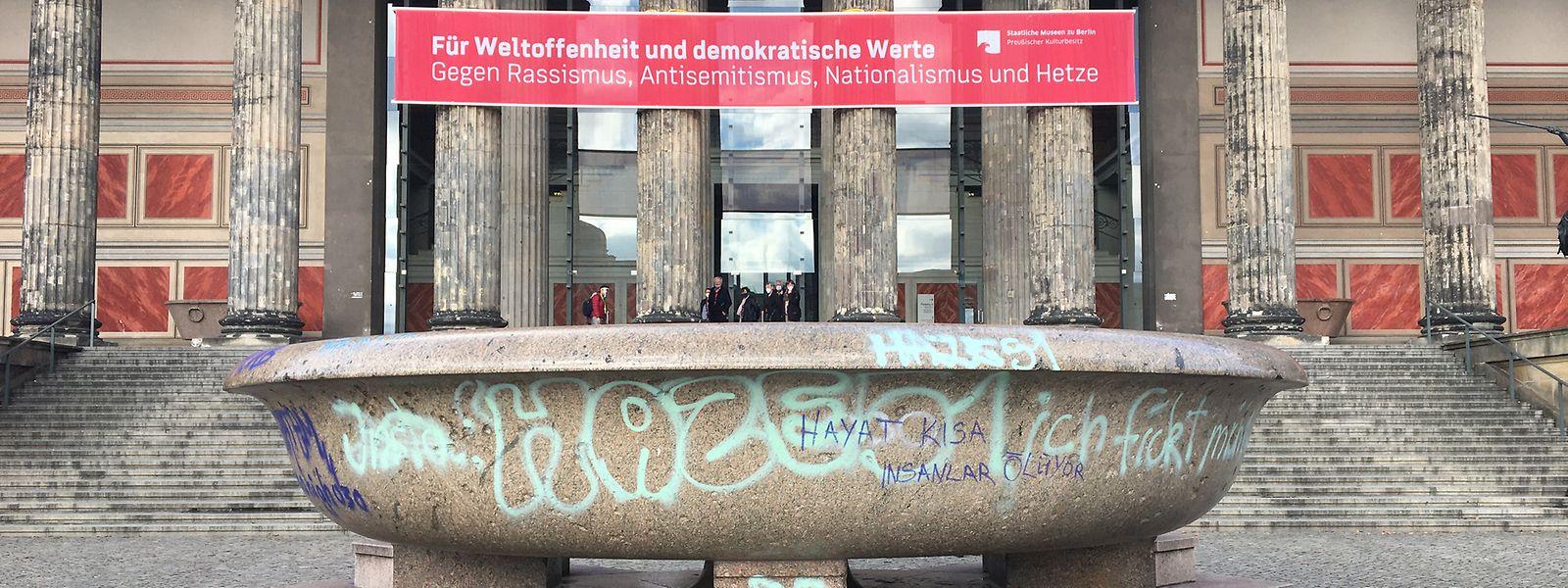 Berlin Erneuter Vandalismus Auf Museumsinsel