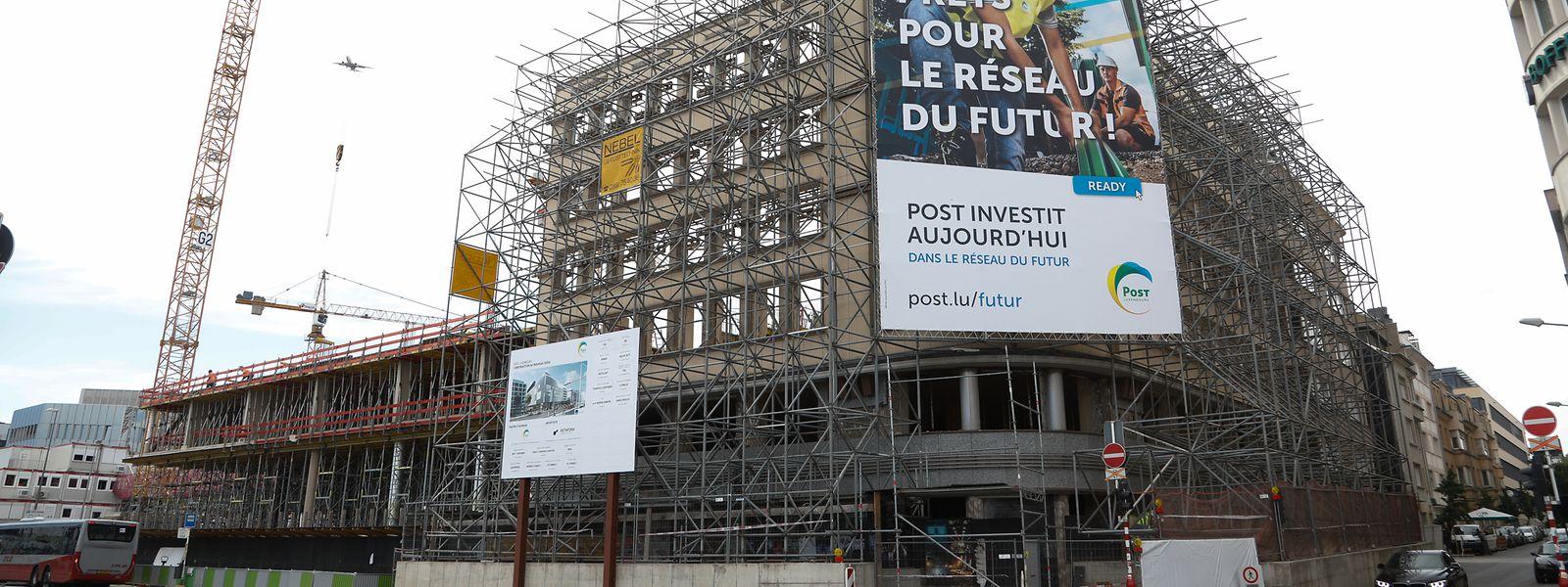 """La façade """"Accinauto"""" restera en place se raccrochant aux lignes modernes du bâtiment signé Metaform."""