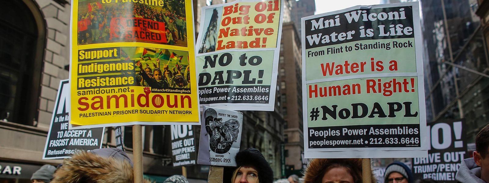 Umweltschützer und ein Stamm der Sioux fürchten Wasserverunreinigungen und eine Beeinträchtigung heiliger Stätten.