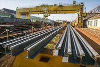 ArcelorMittal Rodange se positionne pour le deuxième appel d'offres pour les rails du tram, Laminage, Laminoir, Foto Lex Kleren