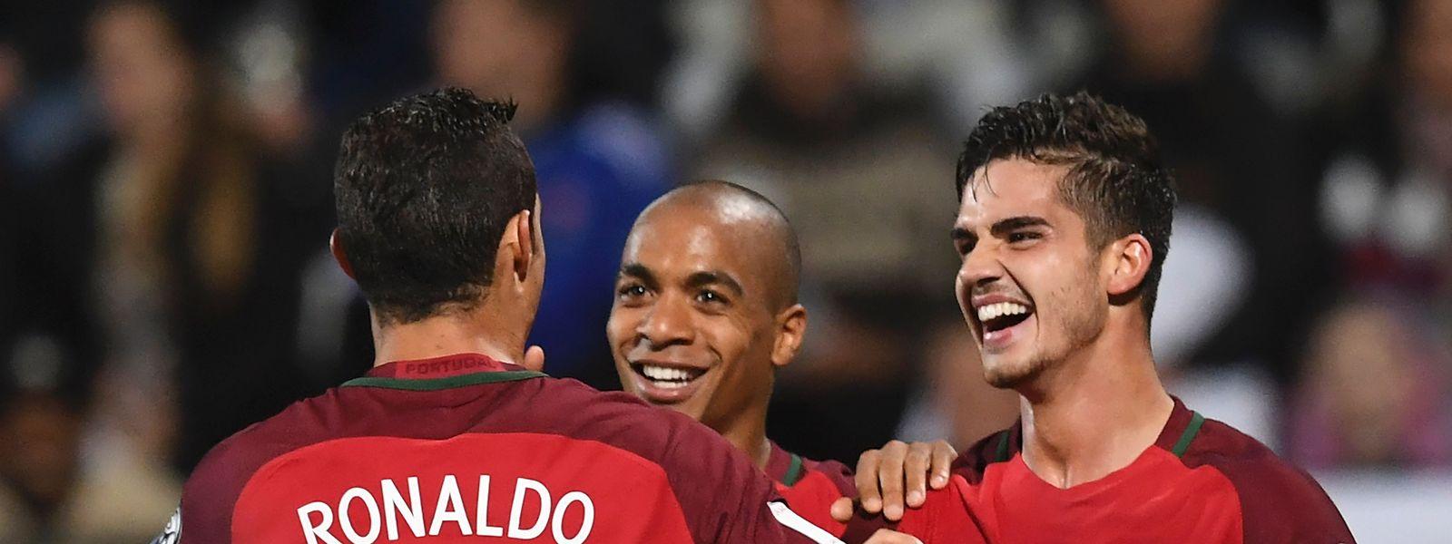 A seleção portuguesa baixou um lugar no 'ranking' da FIFA.