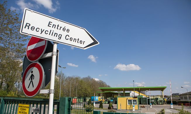 There are several recycling and re-box centres in Luxembourg plus curbside collections for many recyclable items