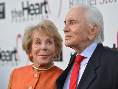Anne et Kirk Douglas en mai 2012 à Hollywood.