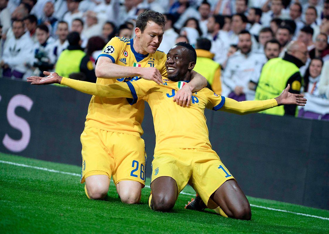 Nach einer Stunde passierte es tatsächlich: Blaise Matuidi traf zum 3:0 für die Italiener.