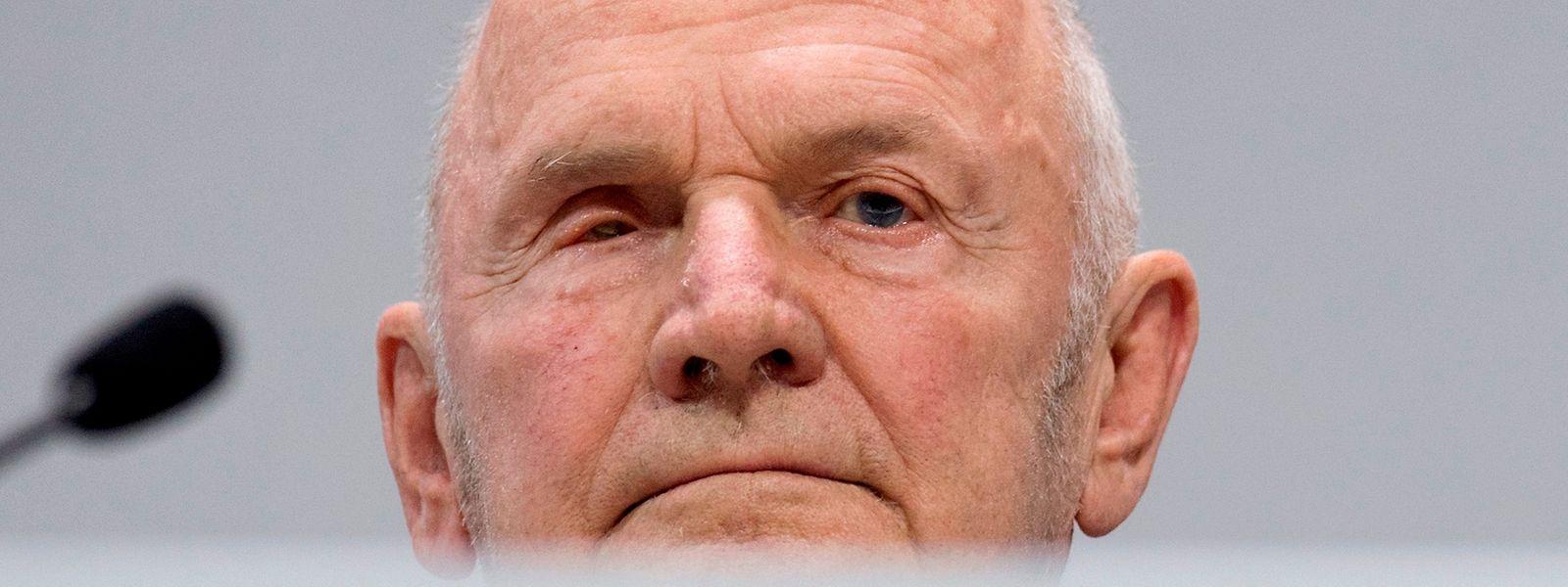 """Ferdinand Pïech était âgé de 82 ans. Il avait dû quitter ses fonctions après le """"dieselgate"""" qui avait frappé le groupe VW."""