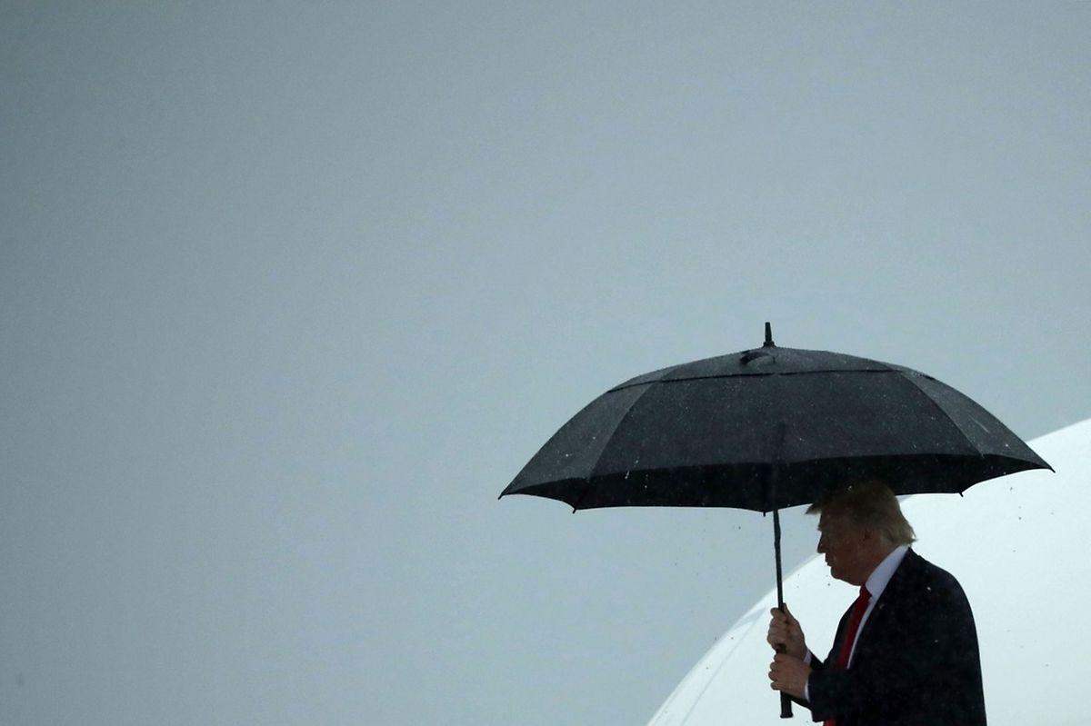 Donald Trump hatte via Twitter die Personalie bekannt gegeben - zwischen zwei Terminen, wie es scheint.