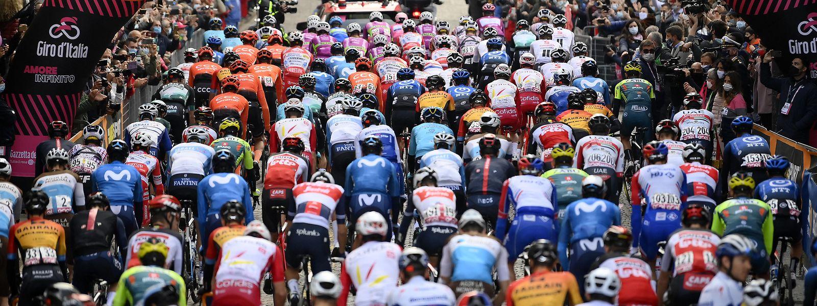 Die Italien-Rundfahrt wird am Dienstag mit der 16. Etappe fortgesetzt.