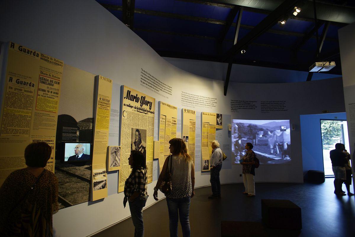 Visitantes no espaço museológico de Vilar Formoso.