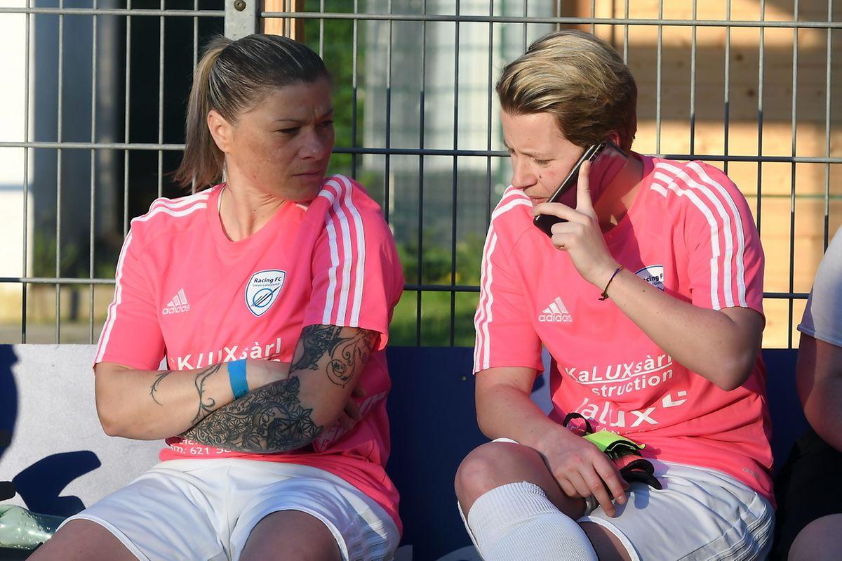 Elodie Martins et Julei Wojdyja prennent leur mal en patience.