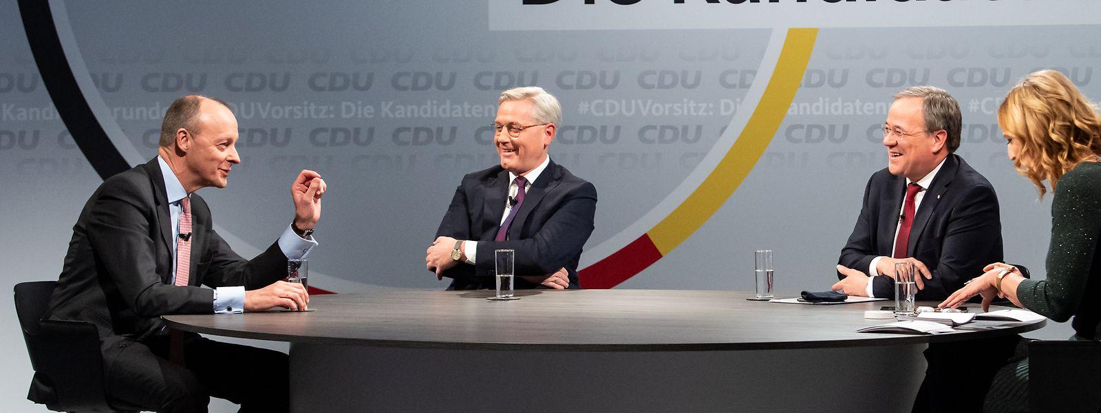 Die drei Kandidaten für den Vorsitz der CDU Deutschlands, Friedrich Merz (l-r), Norbert Röttgen und Armin Laschet, unterhalten sich mit Moderatorin Tanja Samrotzki in einem Online-Video-Talkformat, in dem live aus dem Konrad-Adenauer-Haus Fragen der CDU-Mitglieder beantwortet werden.