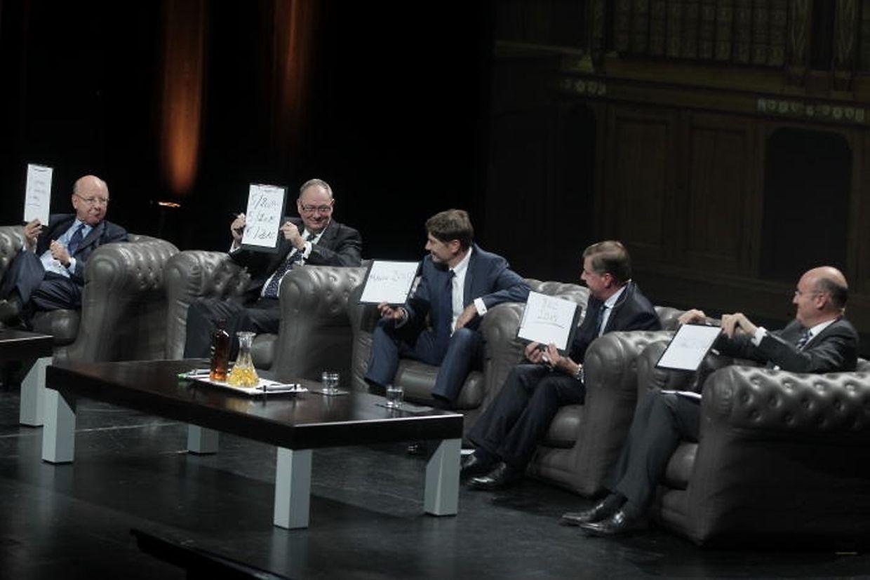 Cinq présidents successifs de l'Alfi, Patrick Zurstrassen, Rafik Fischer, Thomas Seale, Claude Kremer et Marc Saluzzi se sont prêtés au jeu des questions insolites pour la soirée.