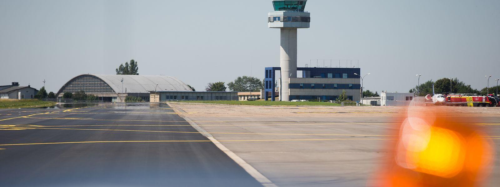 Nach der Renovierung des Terminal B und neuen Stellplätzen für Frachtflieger steht nun 2020 die Erneuerung der Start- und Landebahn an, auch ein neuer Tower soll her, wie unlängst beschlossen wurde.