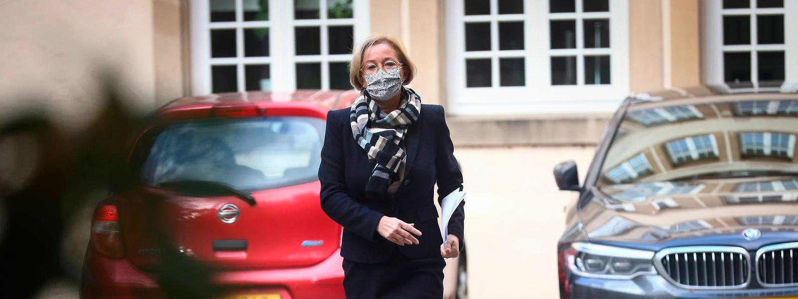 Paulette Lenert sieht angesichts der beruhigenden Lage in den Spitälern keinen Grund, die Handbremse zu ziehen.