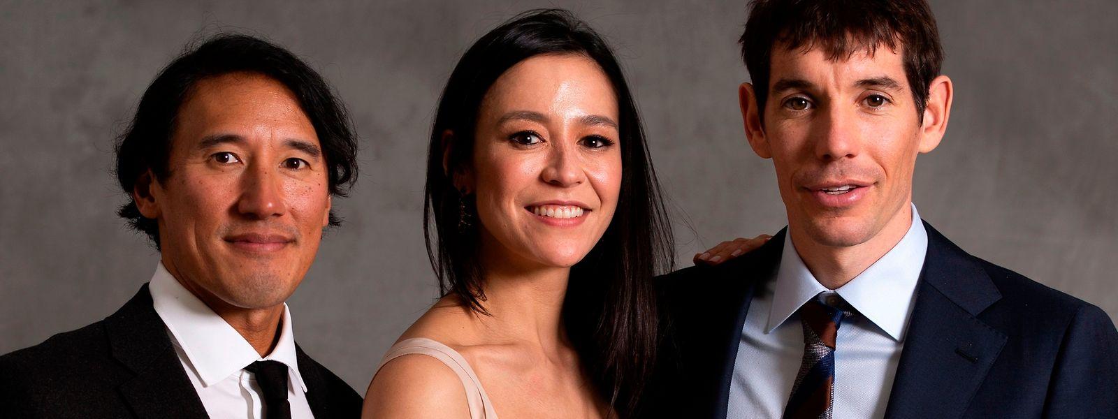 """Os realizadore Jimmy Chin e Elizabeth Chai Vasarhelyi com o protagonista de """"Free Solo"""", o montanhista Alex Honnold."""