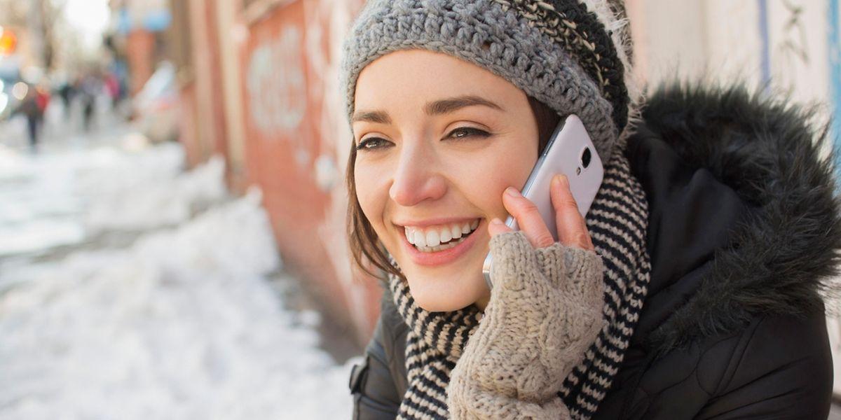 Nicht nur die Nutzer bibbern. Auch Smartphone und Co. leiden unter der Winterkälte.