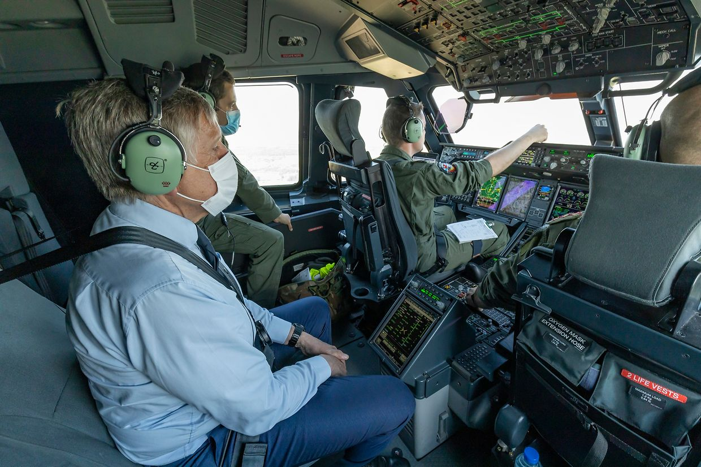 Le ministre de la Défense a pu effectuer un vol d'essai au sein de l'A400M