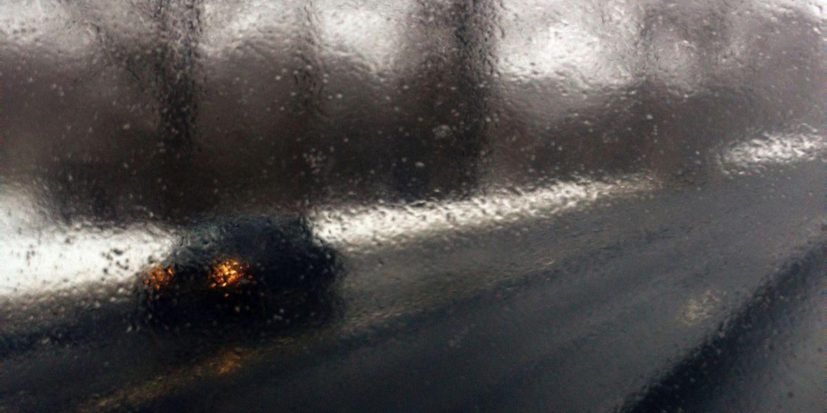 C'est vers midi que la pluie devrait tomber le plus fort ce lundi.