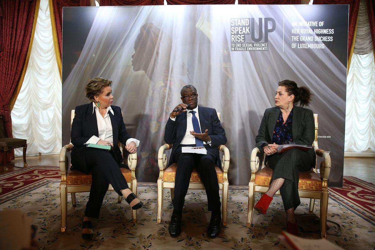 """EN conférence de presse lors du lancement officiel du forum international """"Stand Speak Rise UP!"""" en présence de la Grande-Duchesse, de Denise Mukwege et Céline Bardet."""