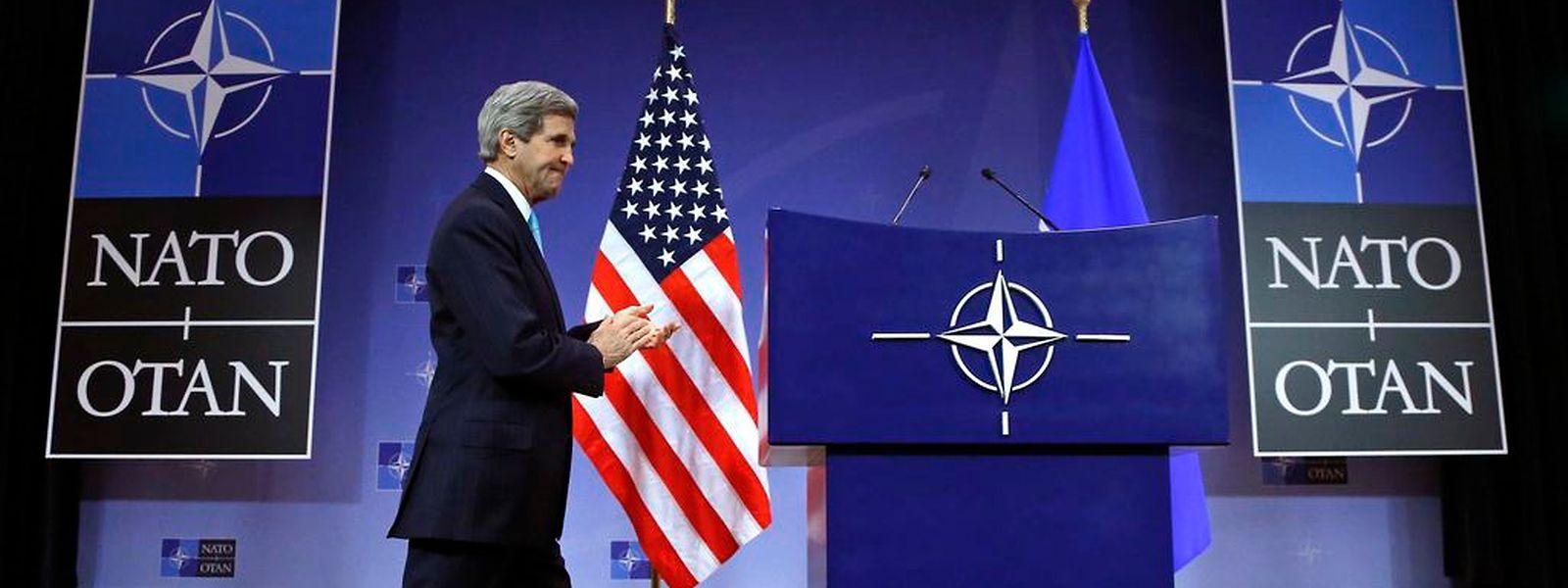 US-Außenminister John Kerry bei der Nato-Tagung in Brüssel am 2. Dezember, an die sich die Konferenz zum Thema IS anschließt.
