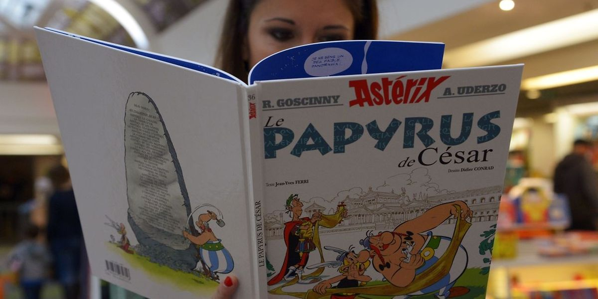 """""""Le Papyrus de César"""" a été publié à cinq millions d'exemplaires et devrait inonder le marché."""