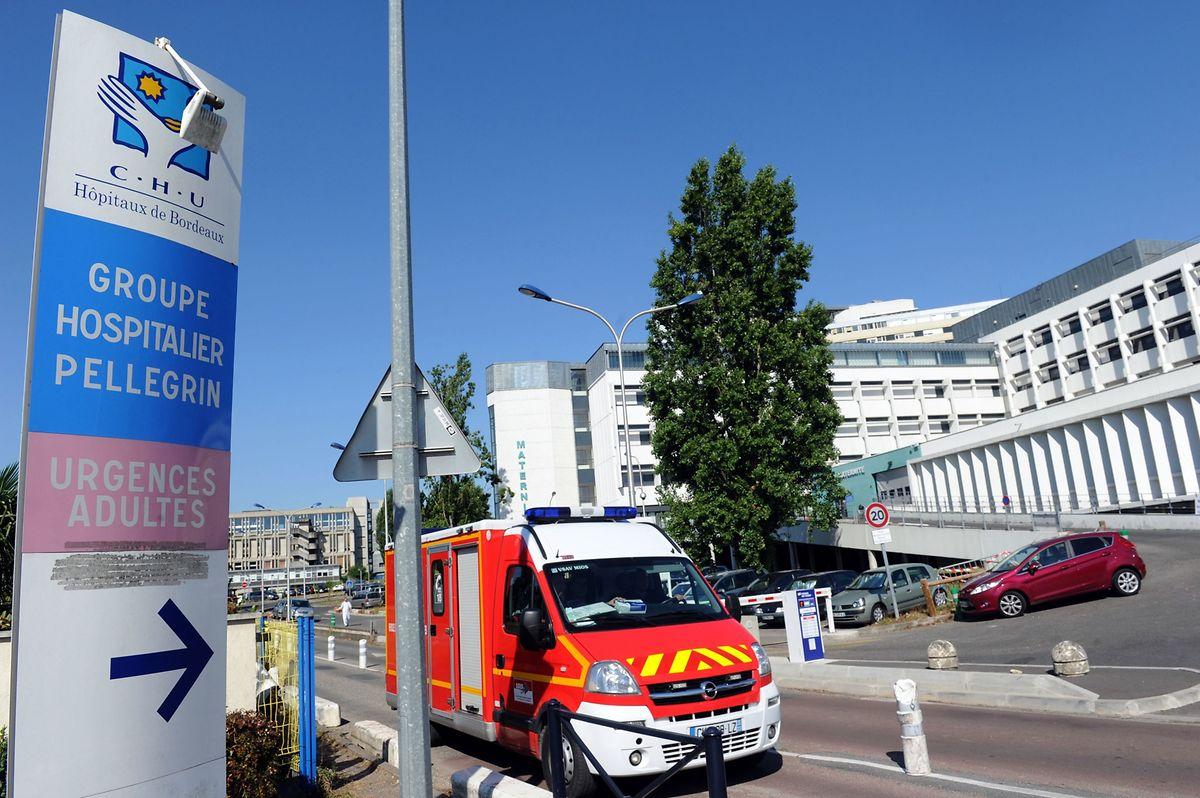 In einem Krankenhaus in Bordeaux wird ein womöglich mit dem Coronavirus infizierter Patient behandelt.