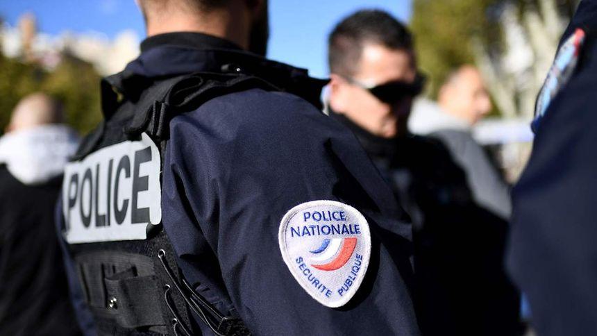 Inconnu des services et a priori sans antécédents judiciaires, l'homme, dont les cibles potentielles n'ont pas été identifiées, a été arrêté mardi dans le Gard.