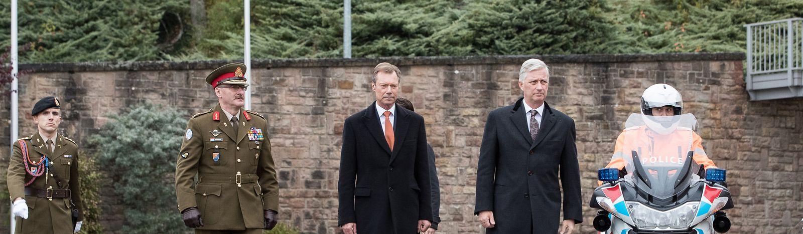 Großherzog Henri und König Philippe im Centre militaire in Diekirch.