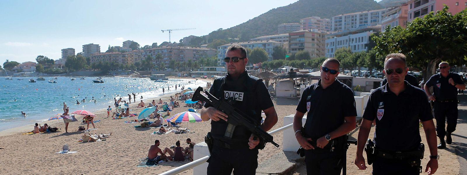 Die französische Regierung tut alles, damit Bevölkerung und Touristen sich sicher fühlen.
